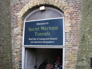 secret-wartime-tunnels-entrance-dover